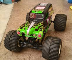 Axial SMT10 With Clodbuster Wheels And Tires - RCCrawler