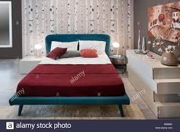konzept der schlafzimmer design mit vintage blau bett birke