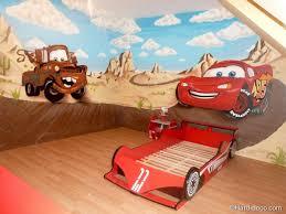 chambre enfant cars décoration graffiti sur le thème cars