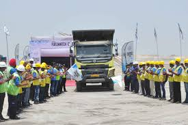 Commercial Vehicle – B2B Purchase Mm Sees First Month Of Growth In June After A Year Decline Everything You Need To Know About Whats Smart Mahindra Blazo All You Need Know About Smart Trucks Technofall Trucksdekho New Trucks Prices 2018 Buy India Blazo Series And Loadking Optimo Tipper At 2016 Auto Expo Top Commercial Vehicle Industry Truck Bus Division Navistar 25 Tonne Caught Testing Most Probably Mn25 Eicher Launches 145 Ton Truck The 1114 Teambhp Mn40 Indian Smg Is The New Dealer For Buses Business Demerge Into Ltd To Operate As
