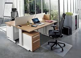 sur le bureau un bureau connecté signé top office