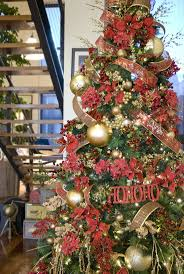 Prelit Christmas Tree That Lifts Itself by 158 Best Christmas Trees Images On Pinterest Christmas Time