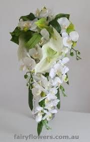 White Bergundy Bouquet Tropical Flowers Teardrop