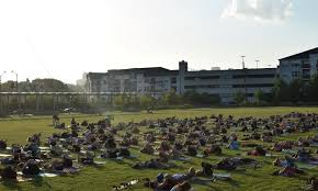 King Of Pops Offers Yoga At Sunset