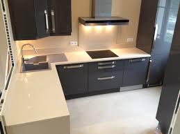plan travail cuisine quartz plan de travail quartz ou granit plan de travail quartz ou granit