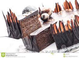decoration patisserie en chocolat gâteau de chocolat d anniversaire avec la décoration de boule de