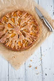 aprikosen lavendel kuchen mit walnüssen nach ottolenghi