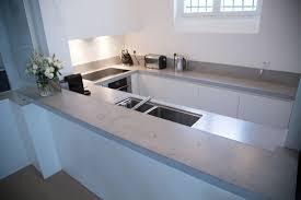 arbeitsplatte in betonoptik für ein modernes küchen design
