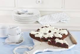 schoko kirsch kuchen mit frischkäsetopping