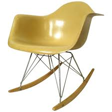 Vintage Early For Miller Rocking Chair Herman Eames Rar ... Black 2014 Herman Miller Eames Rar Rocking Arm Chairs In Very Good Cdition White Rocking Chair Charles Ray Eames And For Vintage Brown By C Frank Landau For Sale Rope Edge Chair 1950s Midcentury Modern Rar A Pair 1948 Retro Obsessions