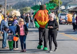 Pumpkin Fest Half Moon Bay by In Half Moon Bay Weighing U0027the Great Pumpkin U0027 U2013 Orange County