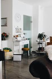 living minimalistisches büro wie ihr auf kleinstem raum