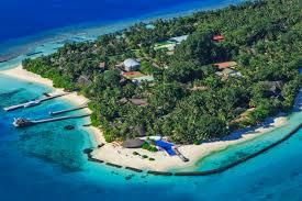 100 Kuramathi Island Maldives Rasdhoo Atoll Divers