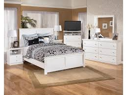 signature design by ashley bostwick shoals casual 6 drawer dresser