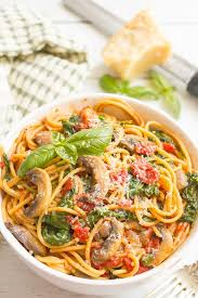Vegetarian Spaghetti With Mushrooms And Spinach Makes An Easy Healthy One Pot Pasta Dinner Thats