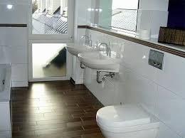 bordüre badezimmer innenausstattung badezimmereinrichtung