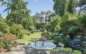 104 Notting Hill Houses Four Stupendous Homes For Sale In With Cinemas Gardens And Eight Figure Price Tags Country Life