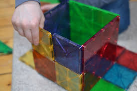 Valtech Magna Tiles Uk by Magnatiles V U0027s Playmags What U0027s The Difference And Which One To