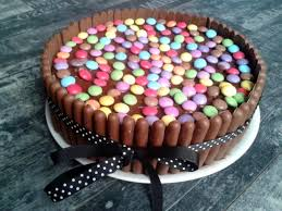 kitkat smarties torte 3 8 5