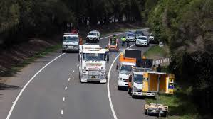 Man Trapped After Truck Rollover On The M1 Princes Motorway At ... 731987 Chevy C10 Protruck Kit Front Springs Rear Shackle Toyota Leaf Replacement Spring China Double Convoluted Rubber Air 2s2500 For Truck Photos Lifted Trucks King Youtube Gmc Chipper Hanger A 1999 C7500 For Sale Seismic G5 30 Solid Or Hollow Axle 9 Reasons Your Needs Drivgline Rubbermaid Cube Platform Online Light Duty Shalesautoandtruckspringscom Deerapido Limited Iveco 190 36 Full Lh Rh Side Pair Ram