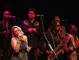 Concert Review | Tedeschi Trucks Band: Beefed Up R&b Ensemble Shows ...