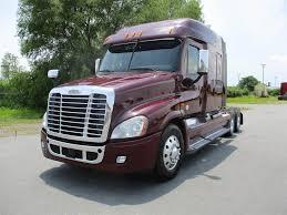 100 Cascadia Trucks 2014 Freightliner 125 Sleeper Semi Truck Detroit DD13