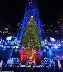 Rockefeller Plaza Christmas Tree Lighting 2017 by History Of The Rockefeller Center Christmas Tree Dean Kearney
