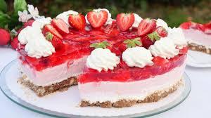 rezept erdbeertorte mit knusperboden erdbeer torte mit schmand ohne backen