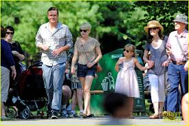 Bronx Zoo Halloween by Michelle Williams U0026 Jason Segel Bronx Zoo With Matilda Photo