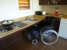 cuisine pour handicapé l accessibilite la chênaie du roc gîte labellisé tourisme