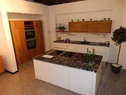 nordwald küche in alteiche dunkel und weiß