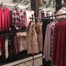 Dry Goods 19 s Women s Clothing 2500 N Mayfair Rd