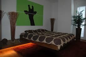 zwinz inneninrichtung schlafzimmer bett beleuchtet zwinz