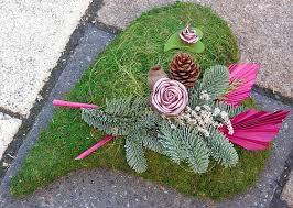 ideas for graveside decorations 184 best grave decoration ideas images on diy gardens