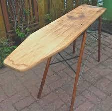 planche a repasser en bois planche à repasser en bois et fer repassage rangement
