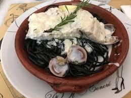 pates encre de seiche morue et pâtes à l encre de seiche picture of restaurante