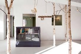 baum im haus 22 interiors mit dekorativem baum