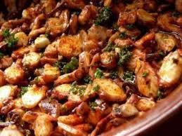 cuisiner poulpe frais poulpe à la gallicienne recette ptitchef