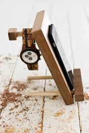 DIY Cell Phone Stand And Accessory Holder Small Wood ProjectsDiy