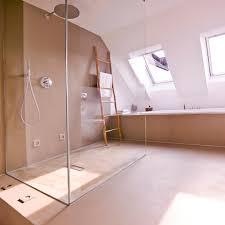 große dusche dachschräge betonboden badewanne ba