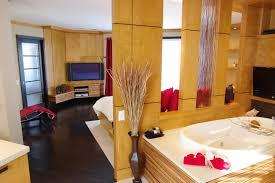chambre attenante chambre chic et raffinée avec salle de bain attenante