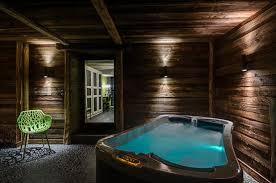 chambre d hote bourg st maurice spa de la chambre forestière photo de la bergerie du miravidi