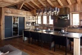 cuisine chalet moderne cuisines wood concept megeve chalets vieux bois déco maison