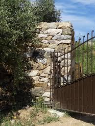 mur de separation exterieur la pierre seche