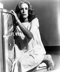 Cast Of Halloween 2 1981 by Halloween Ii Jamie Lee Curtis 1981 I Horror Pinterest