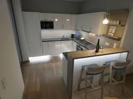 modernes und luxuriöses 2 zimmer apartment mit blick auf den