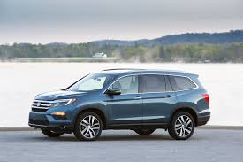Ford Explorer Captains Chairs Second Row by 2017 Honda Pilot Vs 2017 Toyota Highlander Compare Cars
