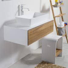 design badezimmerhocker aus teak und hi macs teak modell cipì