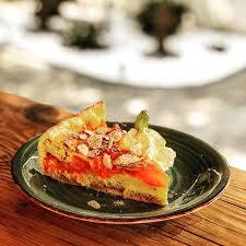 highlight des tages aprikosen mandel kuchen picture of