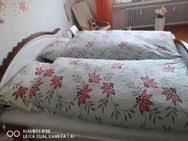schlafzimmer echt holz landhausstil